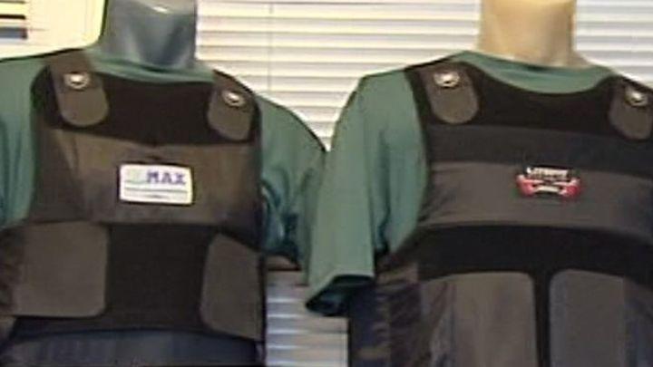 Guardias civiles denuncian que vuelven a compartir chalecos a pesar del Covid