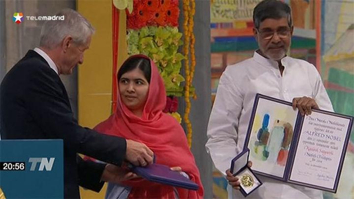 Malala y Satyarthi piden al recoger el Nobel, educación para todos los niños