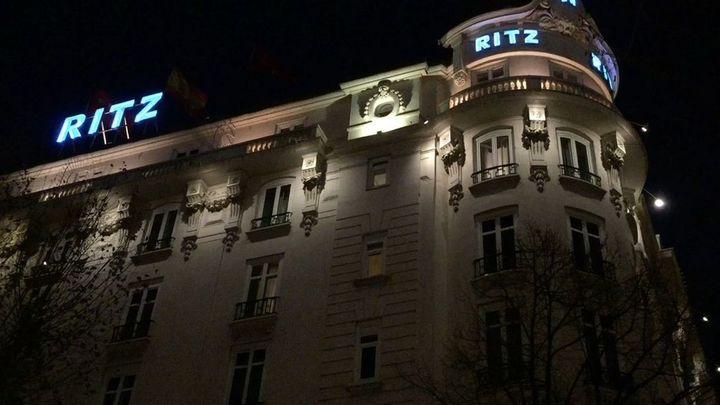 El Ritz ofrece despedir el año con una cena y cotillón por 720 euros