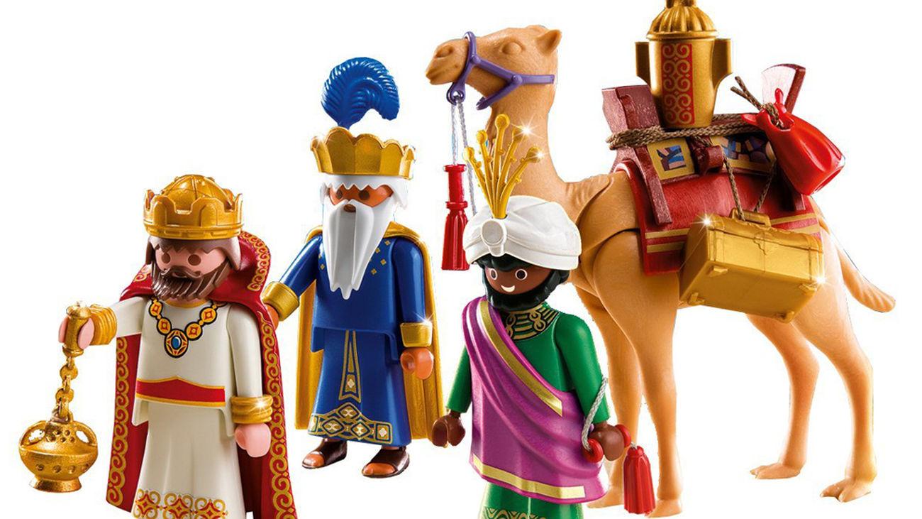 Cientos de juguetes nuevos y antiguos en el 'especial de Reyes' del Mercado del Juguete