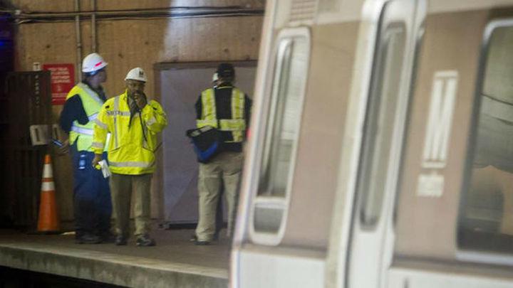 Muere una persona tras llenarse de humo un túnel del metro de Washington
