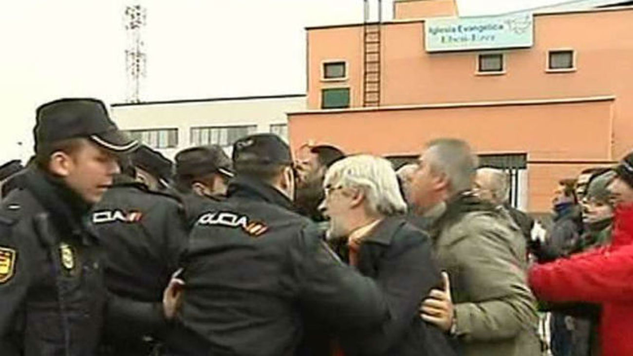 Cargas policiales y un detenido en la concentración ante la fábrica de Coca-Cola de Fuenlabrada
