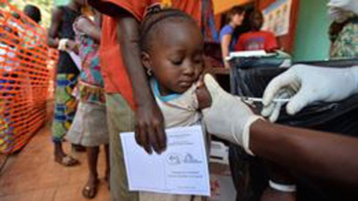 El coste de vacunar a un niño en países en desarrollo se ha multiplicado por 68