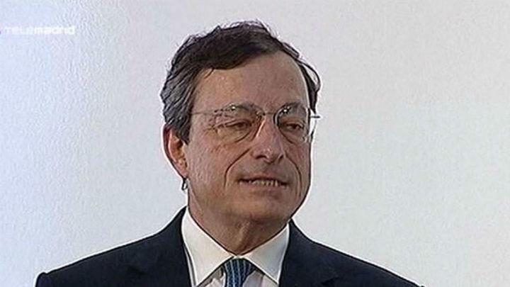 Draghi asegura que el BCE quiere que Grecia permanezca en la zona del euro