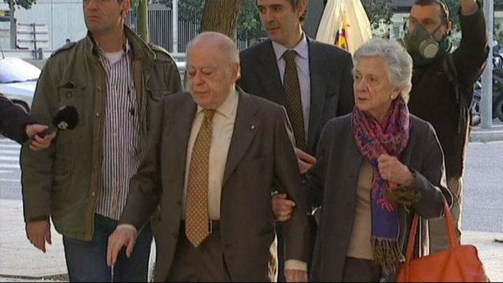 Andorra bloquea todas las cuentas bancarias que Pujol Ferrusola y su esposa tienen en el país