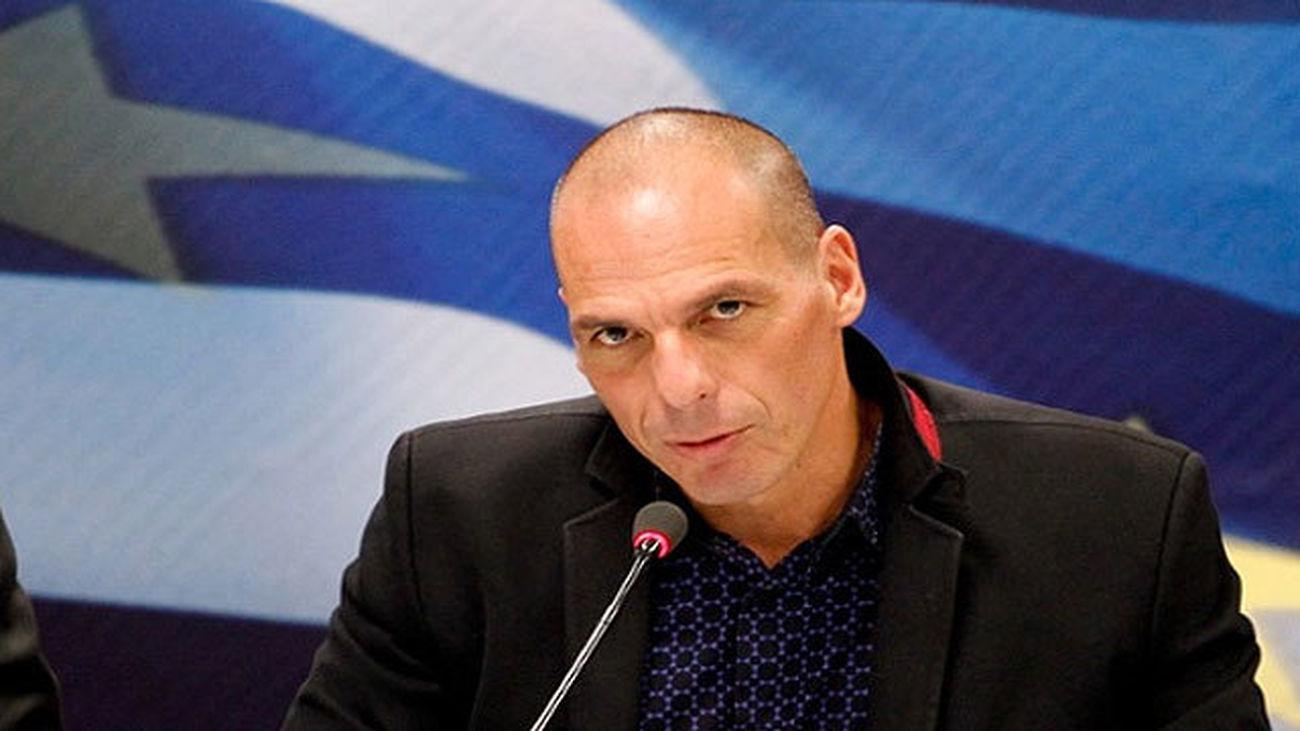 Varufakis pide votar a Macron, único ministro UE que le ayudó en el rescate
