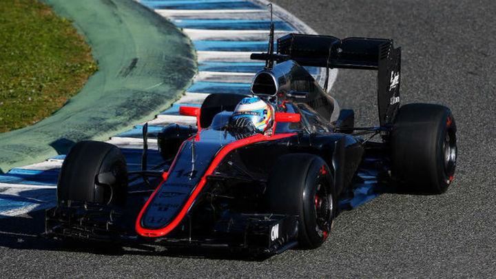 Alonso debuta con mal pie en McLaren-Honda