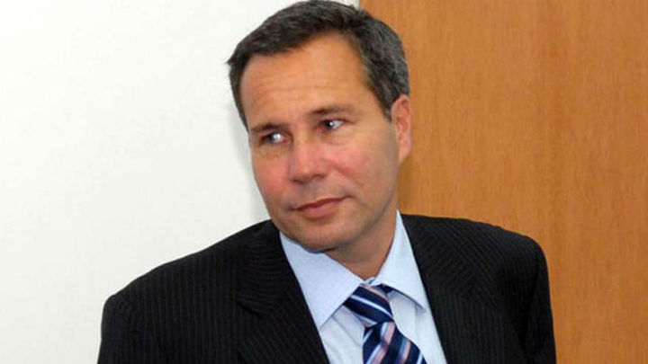 Hallan ADN que no corresponde a Nisman en su casa y buscan identificarlo