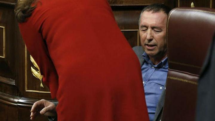 Se interrumpe el debate en el Congreso por un mareo del diputado Joan Baldoví