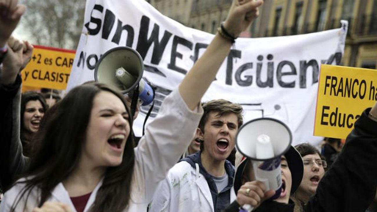 La educación pública vuelve a la huelga contra la política educativa del Gobierno