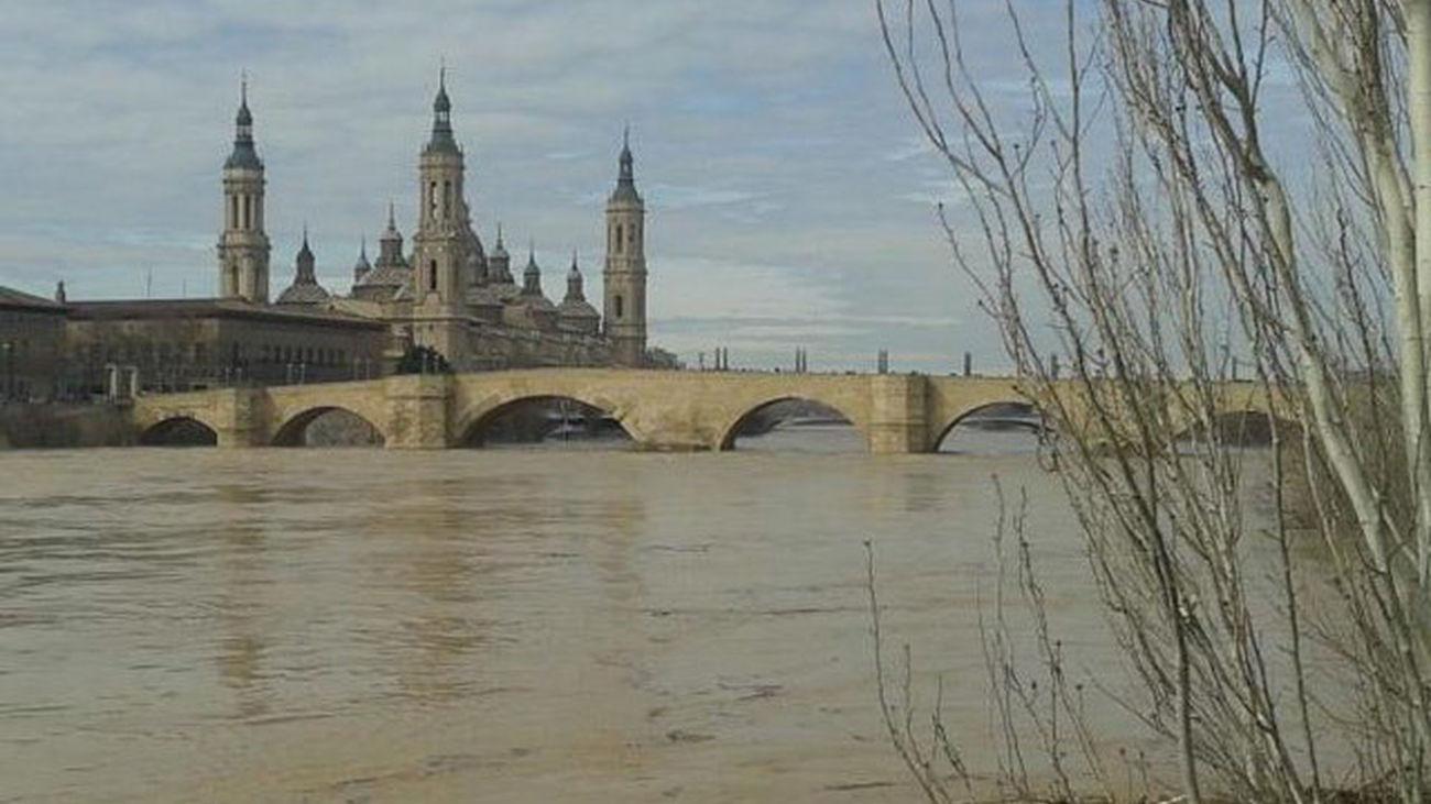 Crecida del Ebro a su paso por Zaragoza