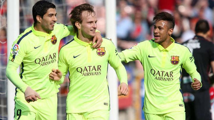 1-3. El Barcelona cumple con el expediente en Granada