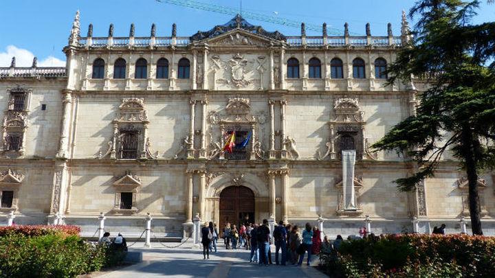 Tres estudiantes de Alcalá, los mejores MIR y FIR de España