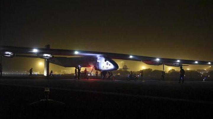 El avión solar llega a la India en la segunda etapa de su vuelta al mundo