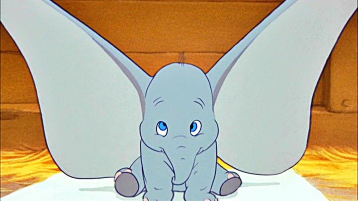 Tim Burton dirigirá una película de acción real de Dumbo para Disney