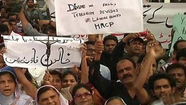Arrecia la violencia contra los cristianos en Pakistán