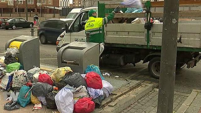 Cuarto día de huelga de basuras
