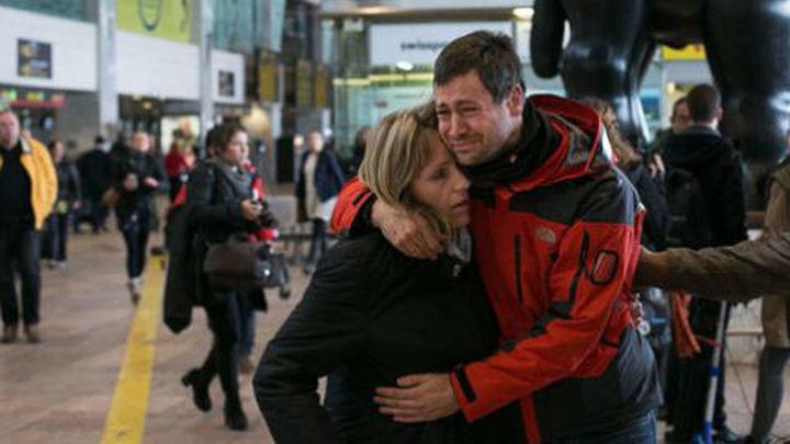 Unos 150 familiares de víctimas reciben atención e información en El Prat