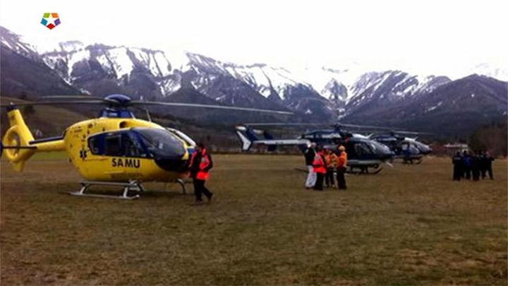 Localizan una de las cajas negras del avión accidentado en los Alpes