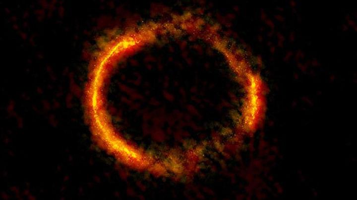 Astrónomos observan el 'anillo de  Einstein' entre dos galaxias