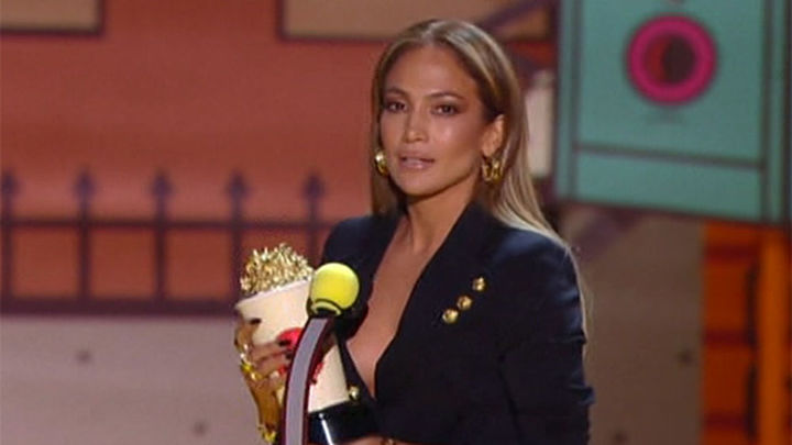 Shailene Woodley y Jennifer López grandes triunfadoras de los MTV Movie Awards