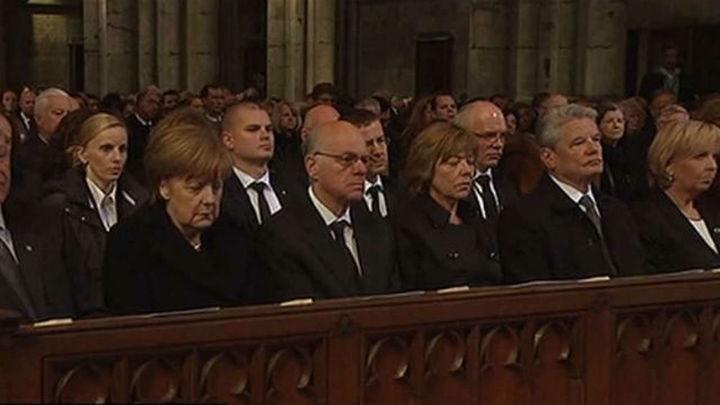 Alemania recuerda con solemnidad y emoción la tragedia del avión de Germanwing