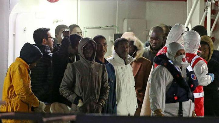 Llegan a Sicilia 446 inmigrantes rescatados en las últimas horas
