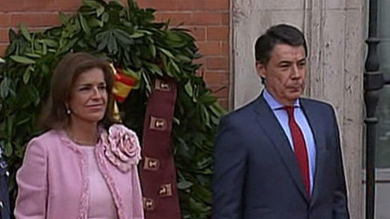 """González agradece su esfuerzo en la crisis a los madrileños, """"los héroes de hoy"""""""