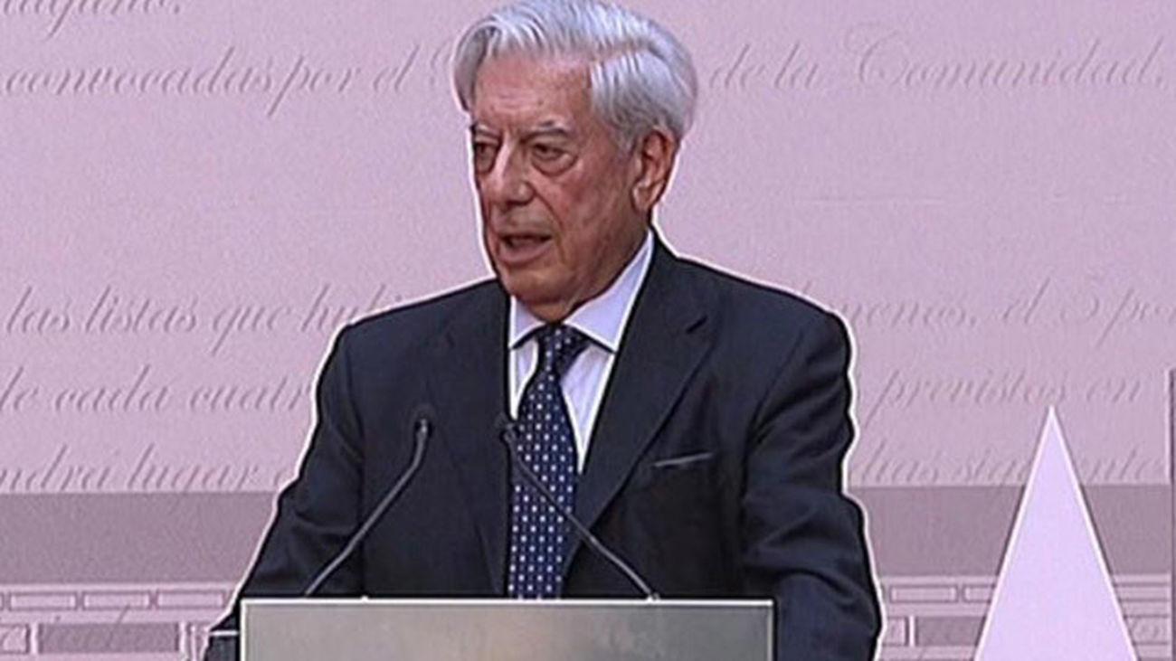 Mario Vargas Llosa y el Teatro Real, Medallas de Oro de la Comunidad de Madrid