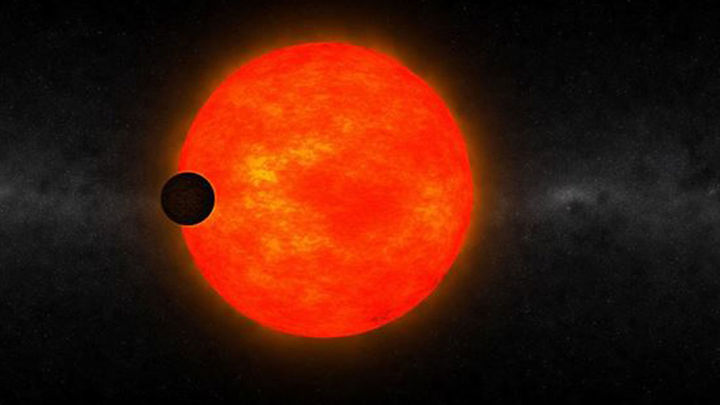 Descubren un exoplaneta demasiado grande para su estrella