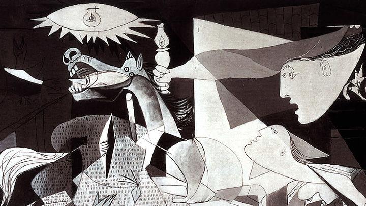 El Museo Reina Sofía acoge a miles de turistas con su exposición de Guernica