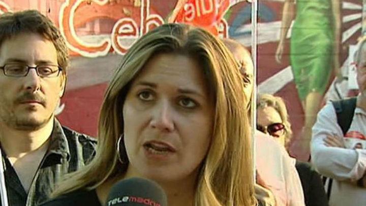 Bronca en el colegio donde vota Raquel López (IU)  al impedirse a los medios tomar imágenes de su votación