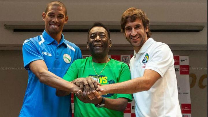 Raúl y Pelé recalcan la importancia del amistoso del Cosmos en Cuba