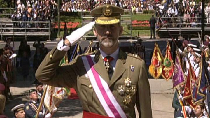 Felipe VI celebra por primera vez como Rey el Día de las Fuerzas Armadas