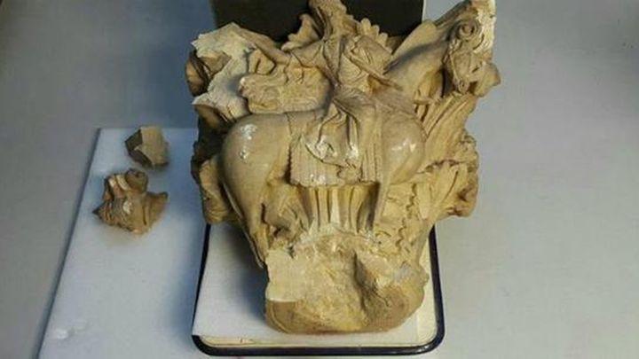 Se caen dos capiteles románicos en el Museo Arqueológico sin causar daños