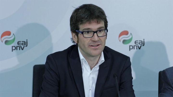 El PNV arrebata la alcaldía de Vitoria al PP con el apoyo de Bildu, Irabazi y Podemos