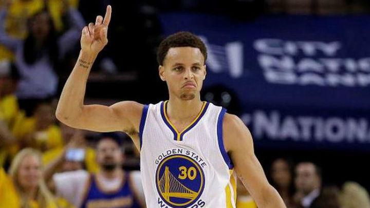 104-91. Curry acerca el anillo a los Warriors