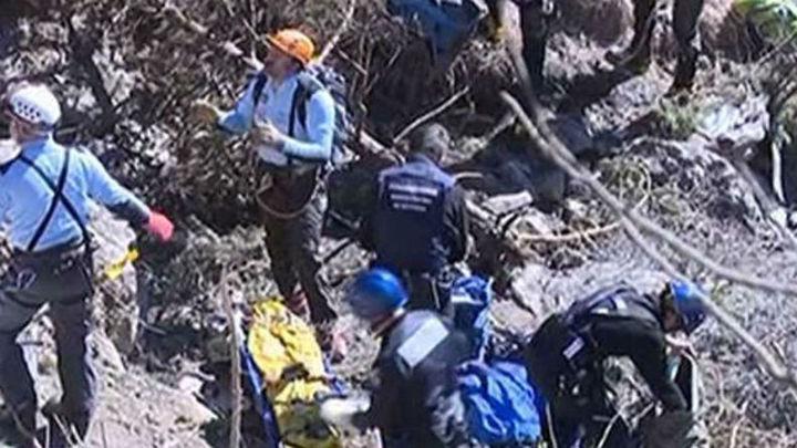 El Prat recibe con silencio y dolor la llegada de las víctimas de Germanwings