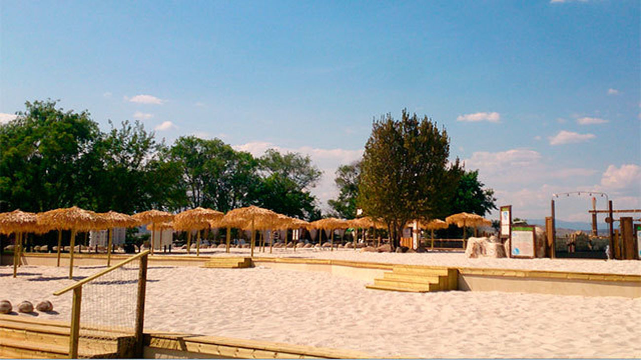 Madrid sí tiene playa. Aquópolis