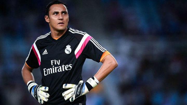 Keylor Navas vuelve a Madrid y podría ser operado