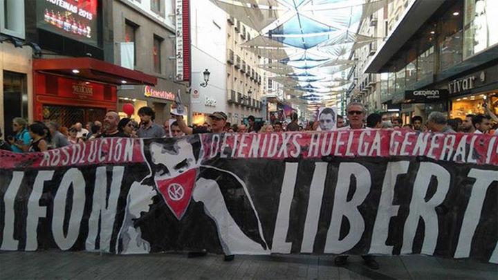 Miles de personas marchan por Madrid para pedir la liberación de Alfon