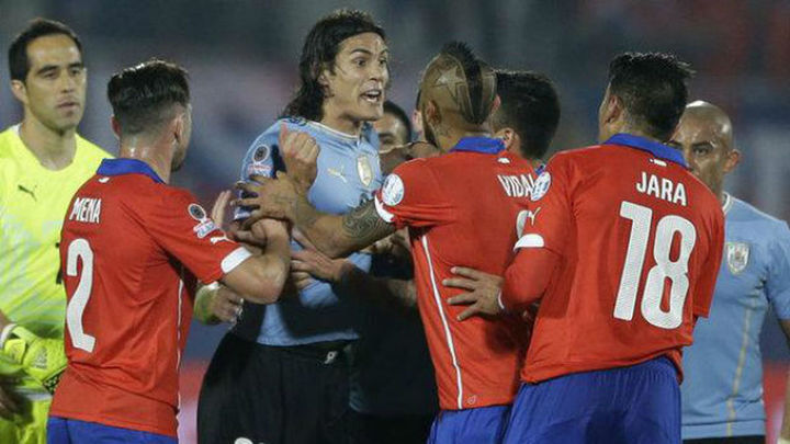 1-0. Chile elimina a Uruguay en un partido bronco