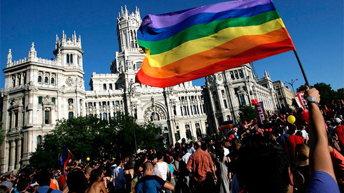 El Ayuntamiento multa a asociaciones LGTB por exceso de ruido en el Orgullo Gay 2015