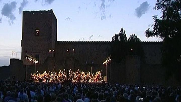 Pedraza, a la luz de las velas en una noche mágica con música de tres tenores