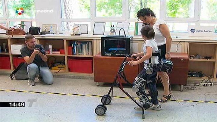 Campaña de 'crowdfunding' para crear exoesqueletos que ayuden a andar a niños con paraplejia