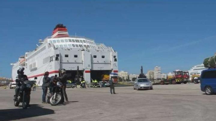 Muere el inmigrante que se coló en el barco Melilla-Almería dentro de una maleta