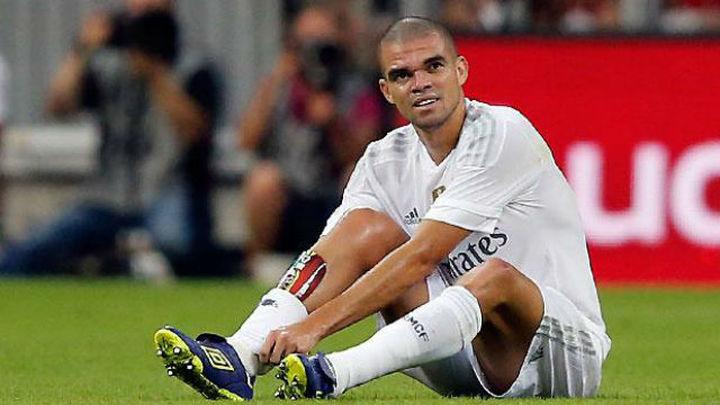Pepe sufre problemas en la fascia plantar del pie derecho