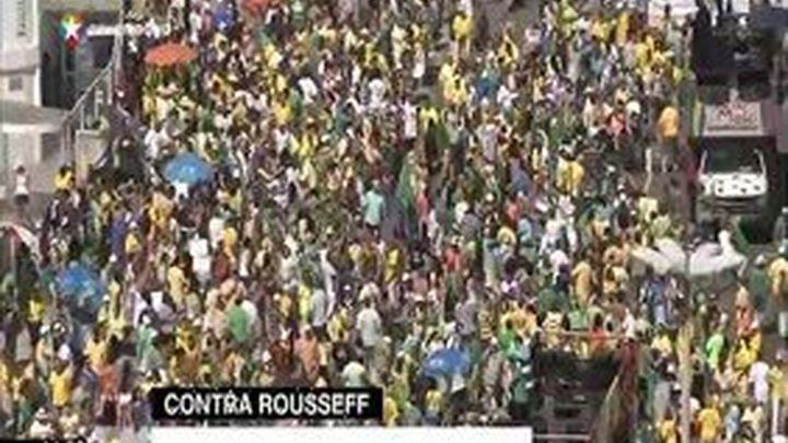 Cientos de miles de personas exigen en Brasil el fin del Gobierno de Rousseff