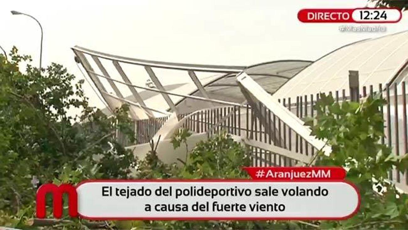 La fuerte tormenta arrasa un polideportivo de Aranjuez