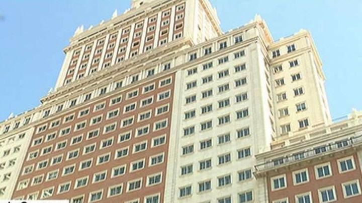 Edificio España: Cifuentes se ofrece para mediar entre el Ayuntamiento y Wanda